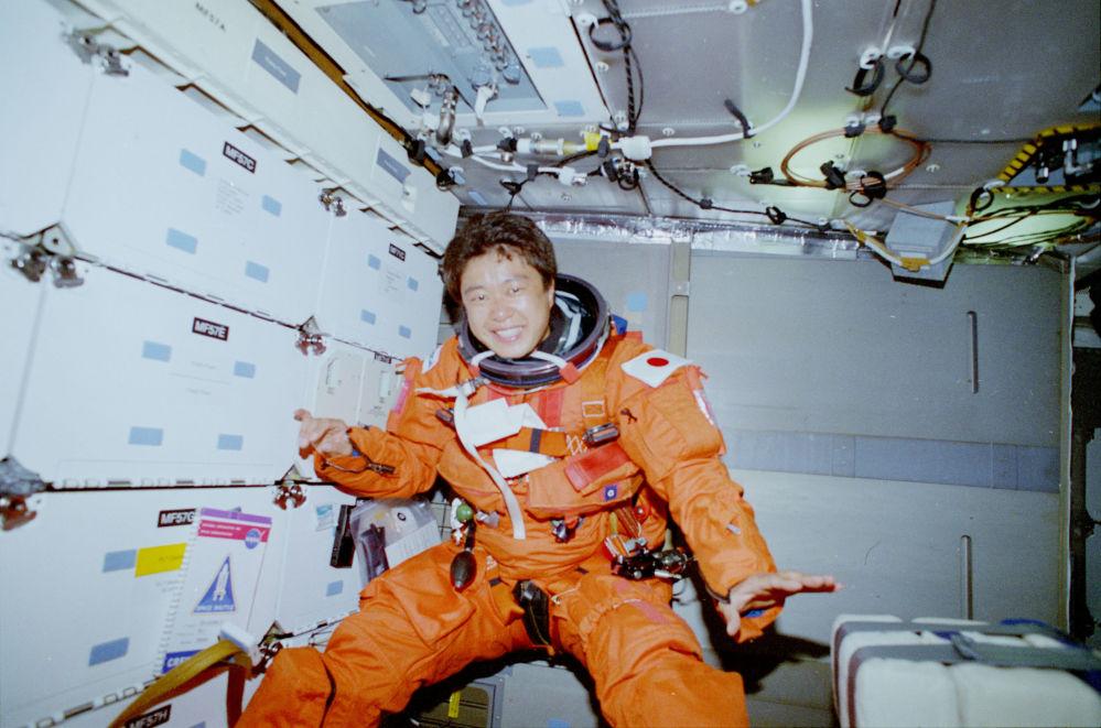 日本首位女航天员向井千秋。