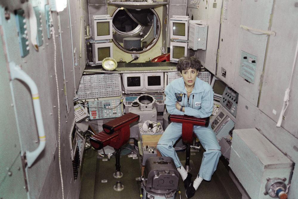 法国首位女航天员克劳迪·艾涅尔。