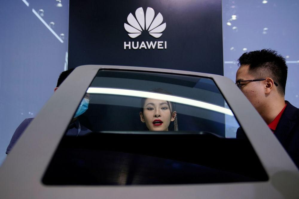 上海国际车展上的华为展台。