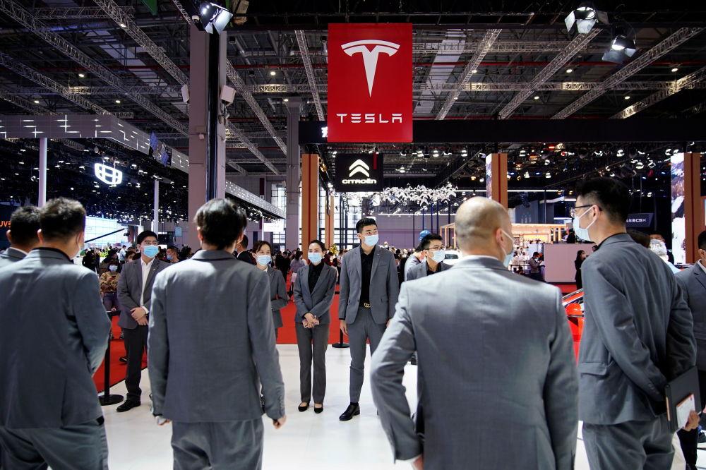 上海国际车展上的特斯拉展台。