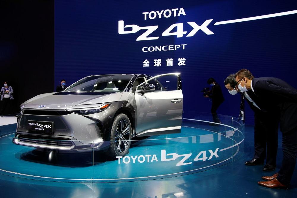 上海国际车展上的丰田BZ4X概念车。