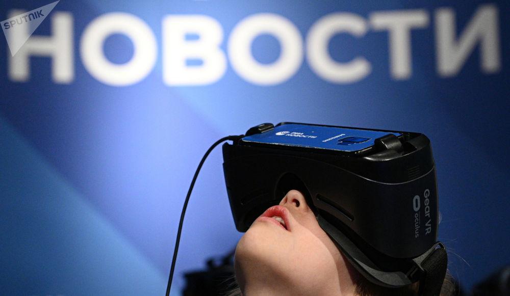 莫斯科天文馆的航天周内介绍RIA Lab VR项目。