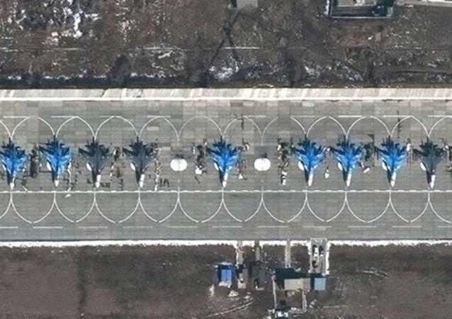 《华尔街日报》发布部署在俄乌边境的俄装备卫星图像