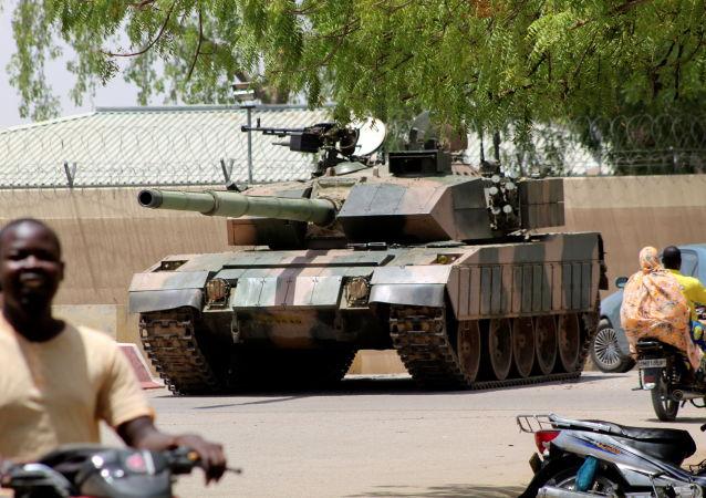媒体:乍得反对派领导人之一承认临时政府