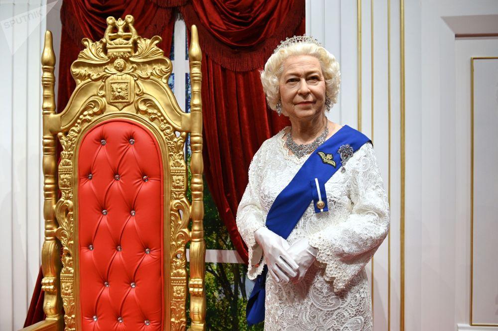 索契DEJAVU蜡像馆里的英女王伊丽莎白二世的蜡像。
