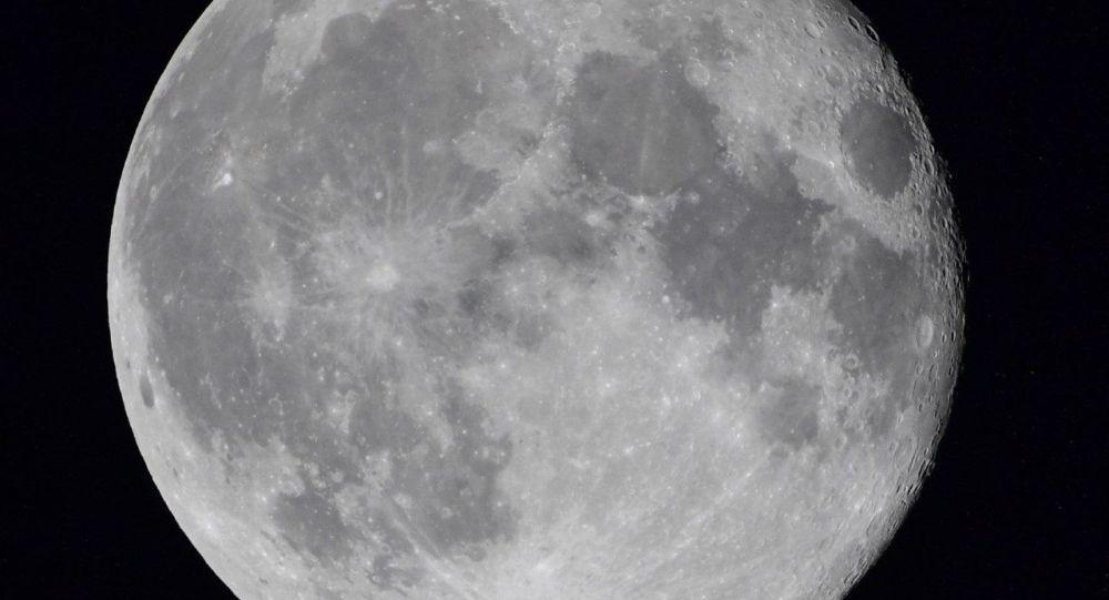 俄罗斯科学家提议将仿人机器人Marfa送上月球