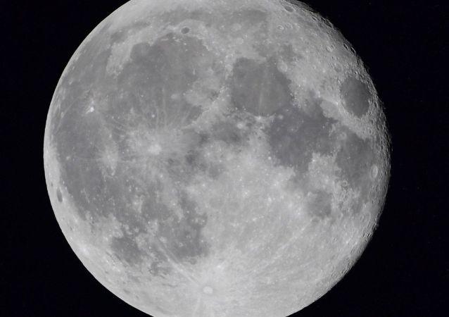 中国嫦娥四号探测器创造月背工作最长时间纪录