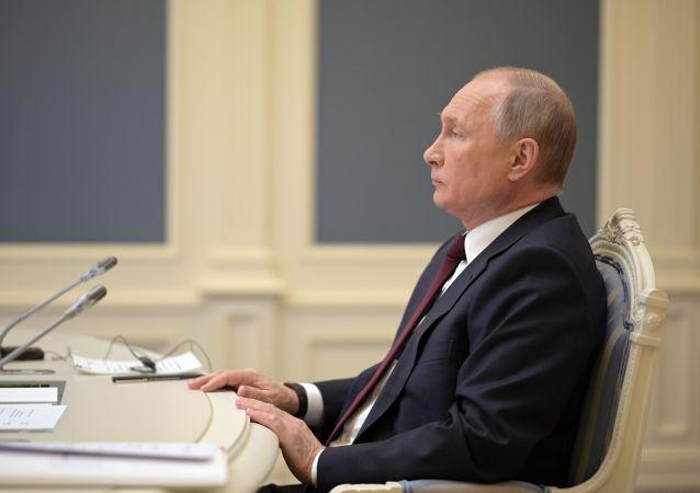克宫:普京的公共活动增加  但仍受防疫限制