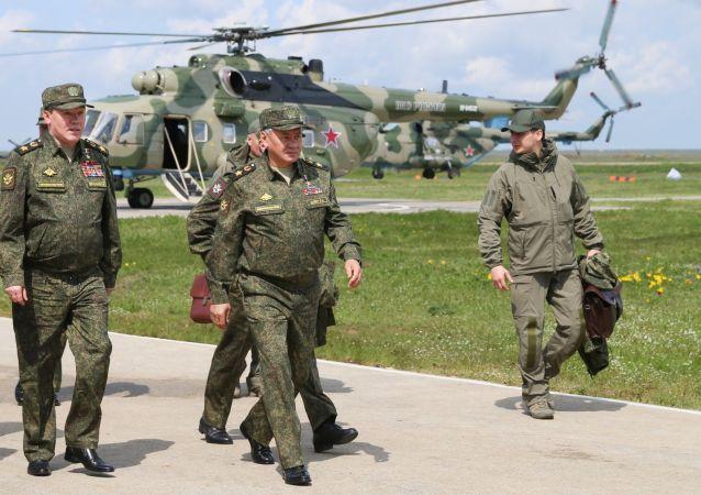 俄国防部:俄南部和西部部队接受突击检查后开始返回驻地