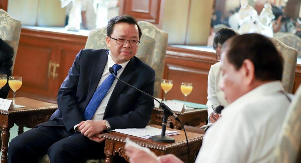 中国驻菲律宾大使黄锡连