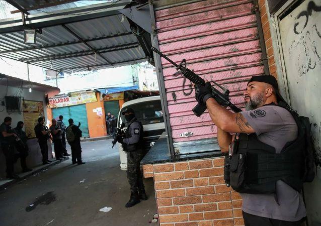 巴西警方里约热内卢缉毒行动的死亡人数升至28人