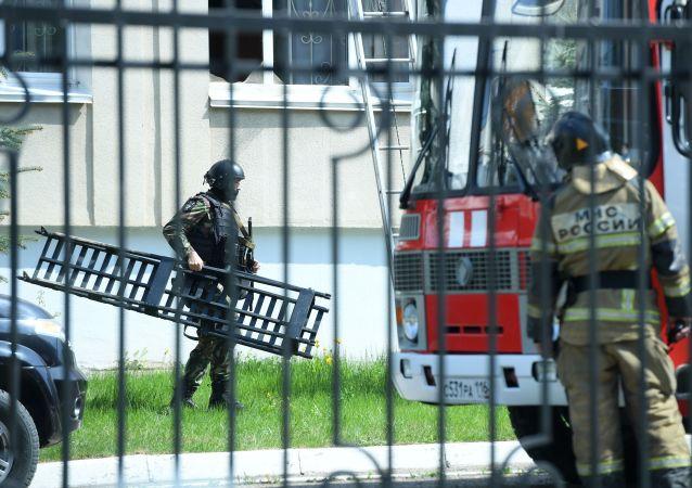 英国驻俄使馆就喀山枪击案发声:我们与遇难者和受伤者家属同在