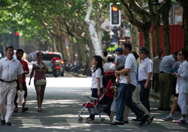 民调:75%中国人认为中国在国际上的作用比10年前大