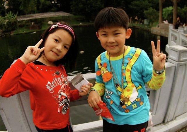 中国儿童的平均身高在最近10年增加了近2公分