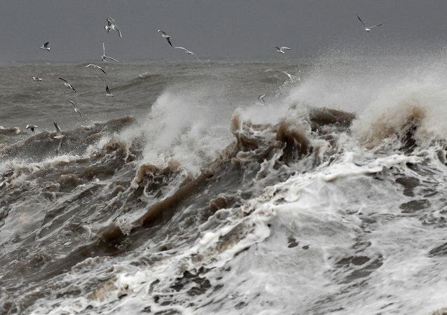 救援队疏散了搁浅在勘察加渔船上的第二批水手