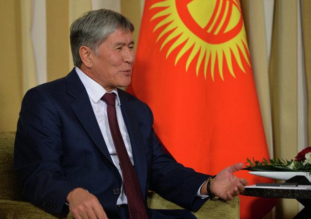 吉尔吉斯斯坦总统已从莫斯科的医院出院并准备飞回祖国
