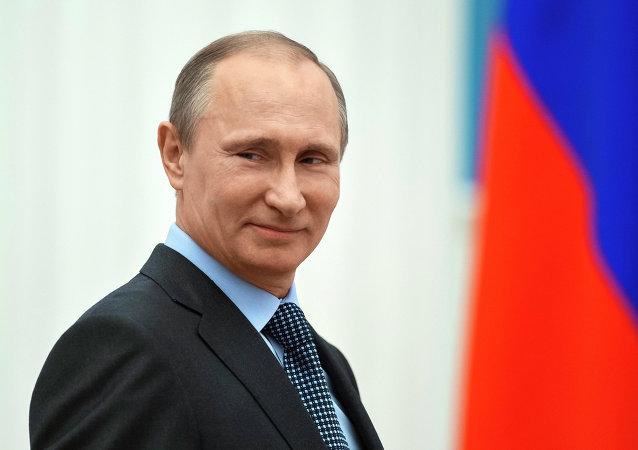 """普京将在""""俄罗斯日""""颁发国家奖"""