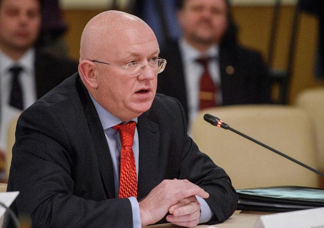 俄外交部:波罗申科称可能在顿巴斯实施戒严没有建设性