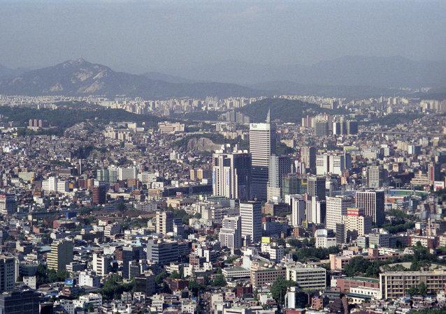 近4万人在首尔市中心举行抗议活动 要求总统辞职
