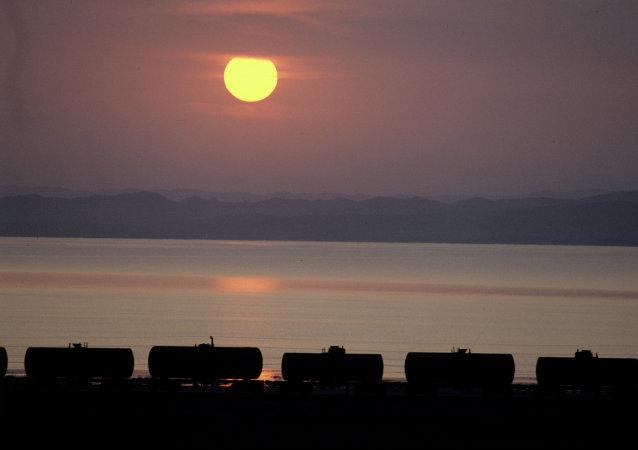 媒体:美国要求中国停止向朝鲜出口石油产品