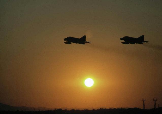 因沙特阿拉伯空军挺进安巴尔省,伊拉克发出官方抗议