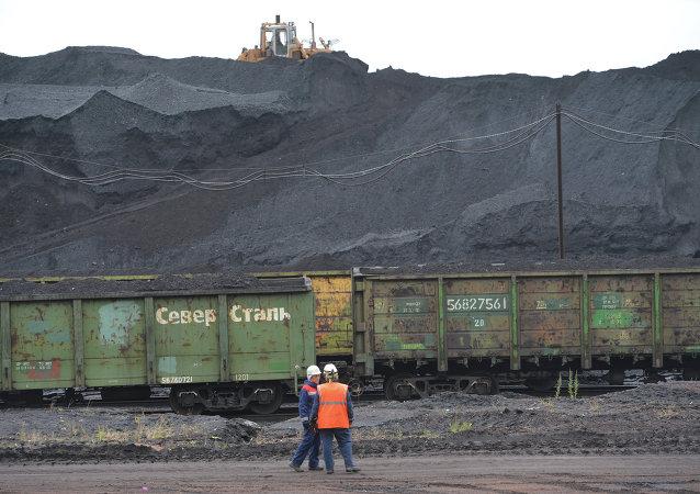 维拉港将建成煤炭转运站