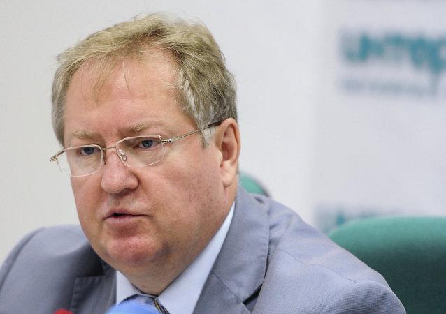 俄罗斯共产党中央委员会秘书谢尔盖•奥布霍夫