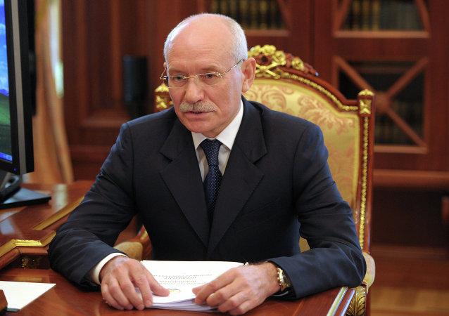 巴什科尔托斯坦共和国总统鲁斯泰姆•哈米托夫