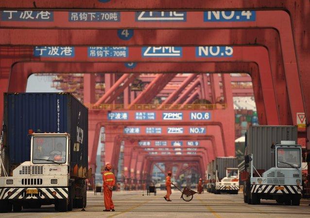 2016年2月中国进出口总值同比下降20.8%