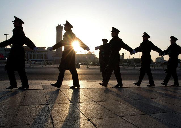 昂贵腰带成了中国官员落马的始因