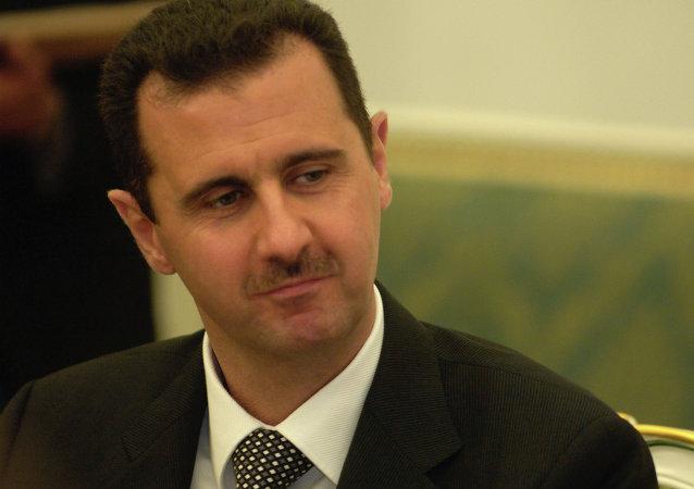 """阿萨德称卡梅伦关于叙温和反对派拥有7万人武装的声明是""""幽默剧"""""""