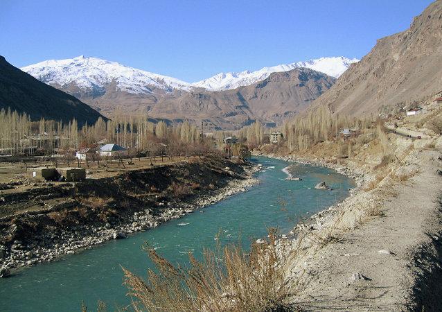 塔吉克斯坦与阿富汗的边境