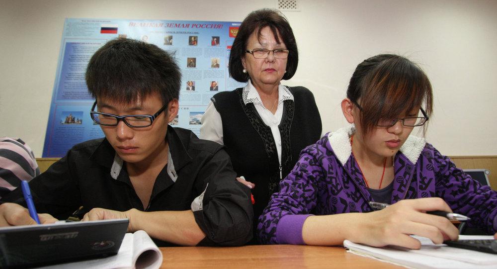 俄高考汉语科目首考百分制平均分数为62.5分