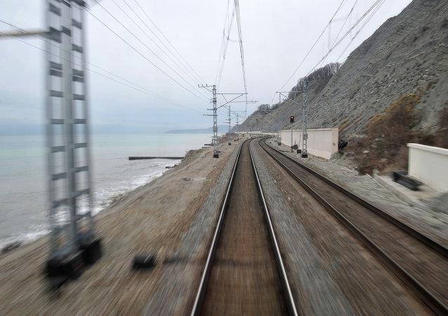 普京:俄罗斯愿意与韩朝两国共同实施铁路项目