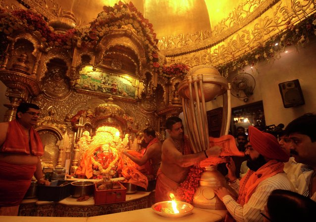 印度一座数百年禁止女性进入的寺庙现已对女性开放