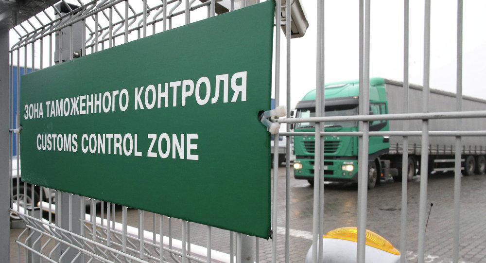 春节期间经滨海边疆区口岸自中国驶往俄罗斯的货车数量增长50%
