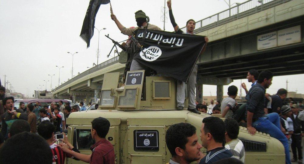 """""""伊斯兰国""""劫持400余人作为人质"""