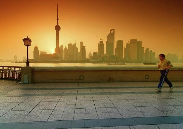 中国财政部:中国财政赤字率近5年来首次降低 积极财政政策取向不变
