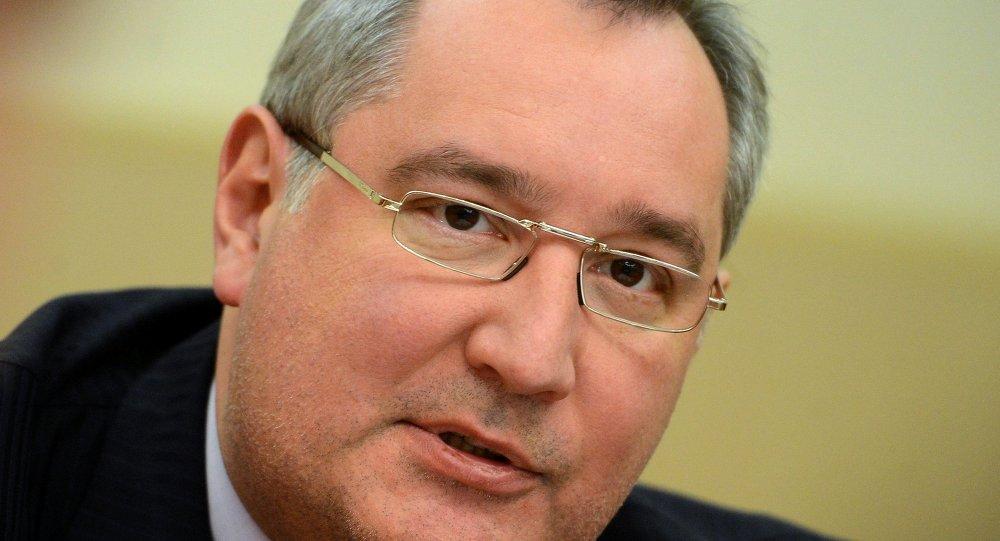 罗戈津:俄联邦有能力建造航空母舰,但需要考虑是否有这一必要