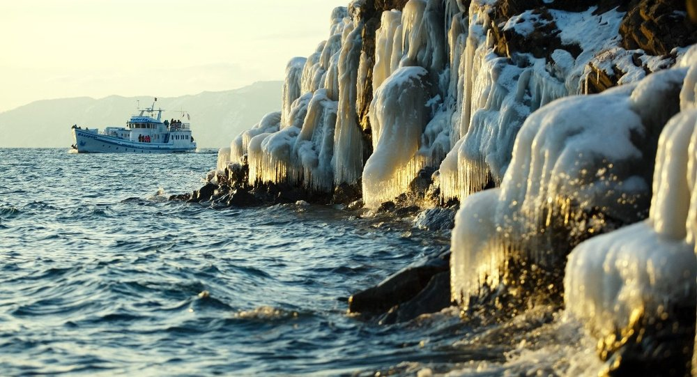 贝加尔湖在快速变浅