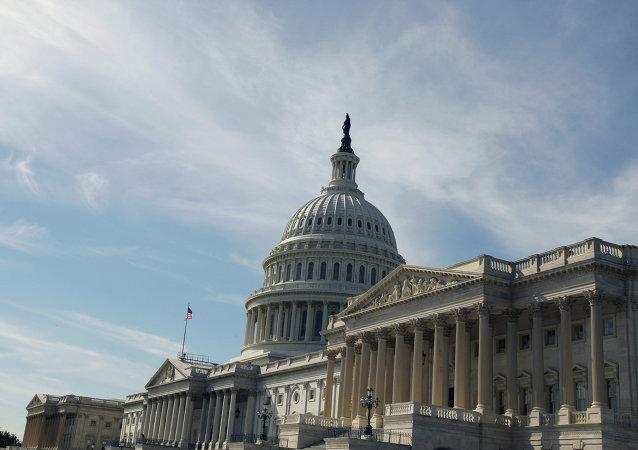 美国国会议员欲成立联邦中心对抗俄中宣传