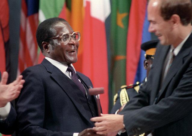 90岁高龄罗伯特•穆加贝成为非洲联盟新任首脑