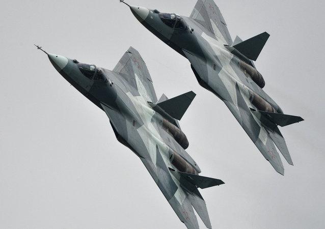 俄国防部称将于2018年起向空天军批量供应T-50第五代歼击机