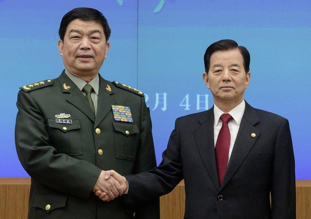 """中国防长关注美国在韩国部署""""THAAD""""导弹的计划"""