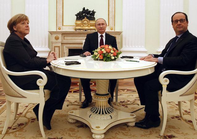 俄罗斯总统普京、德国总理默克尔和法国总统奥朗德