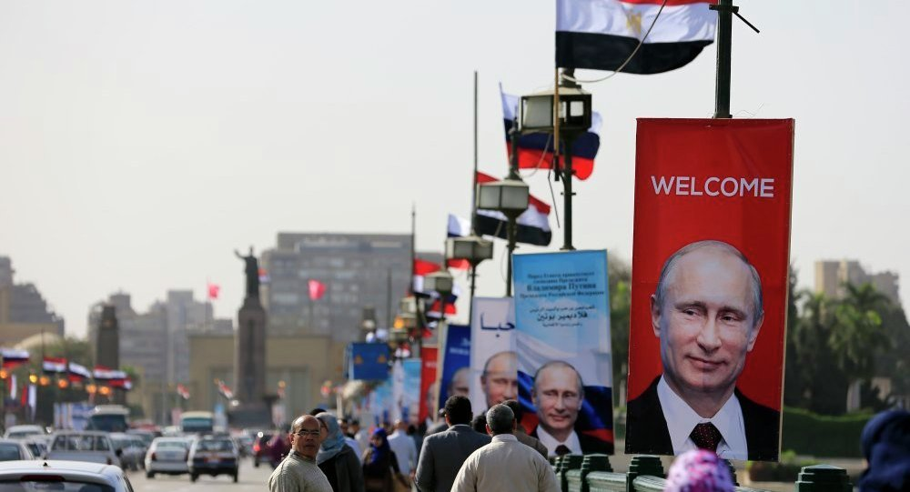 普京抵达埃及访问 将讨论俄埃双边关系和中东局势
