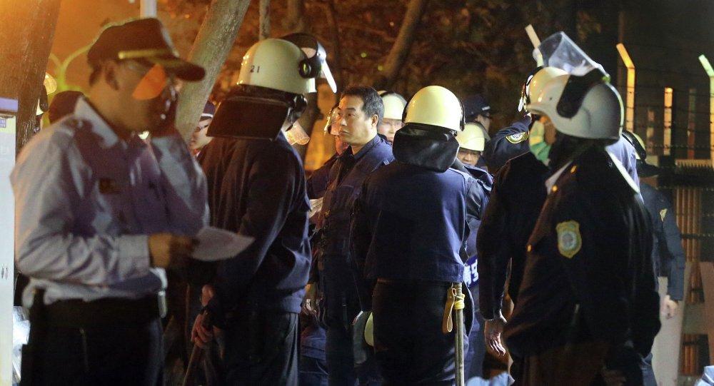 高雄大寮监狱被数百名警察包围