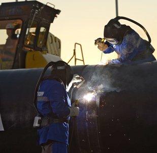 """俄气公司总裁:""""西伯利亚力量""""输气管道建设的进度较预期超前"""