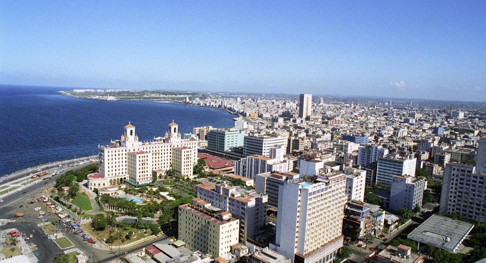 古巴领导人劳尔·卡斯特罗会见俄石油总裁谢钦