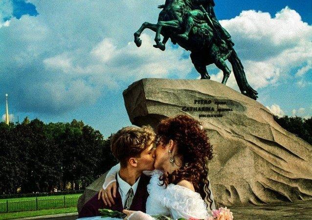 俄罗斯人更愿意在夏天结婚